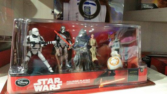 Figurines, jouets LEGO et panoplies Star Wars pour les fans de la série
