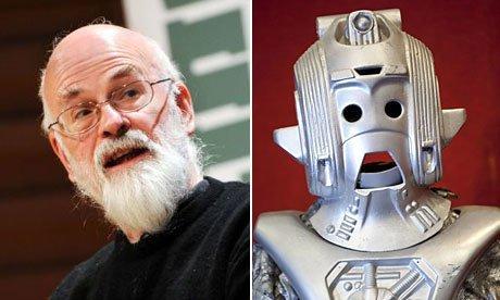 Terry Pratchett et Cyberman dans The Guardian sur Doctor Who