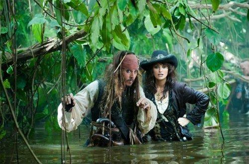 Pirates des Caraïbes en 2011 : La Fontaine de Jouvence, avec Johnny Depp, Penélope Cruz et surtout Ian McShane #2