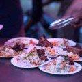 Un beau plat de riz aux légumes et à la viande