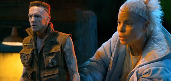 Anri du Toit et Watkin Tudor Jones, les deux membres de Die Artwoord dans les rôles de Gangsta... Sisisi  !  La famille et tout  !  ...
